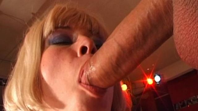 Very Good Blond Czech Honey Slurping An Immense Cranny Axe