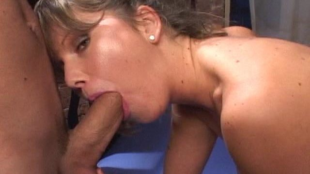 Cutie Whore Kelly Will Get Mouth Pounded By Way Of A Huge Wang