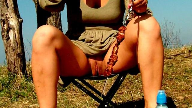 Engaging Brunette Beginner Spouse Dasha Flashing Crimson Stink Tank Upskirt And Ingesting Beer At A Picnic