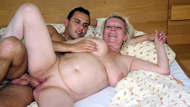 Lusty Grandma Labia Screwed