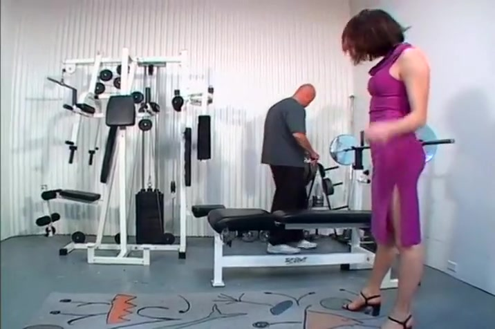 Wooly Labia Damsel Nadia Screwed In The Gymnasium