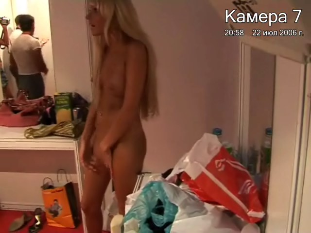 Lecherous Bimbos Stuck On Webcam Nude!