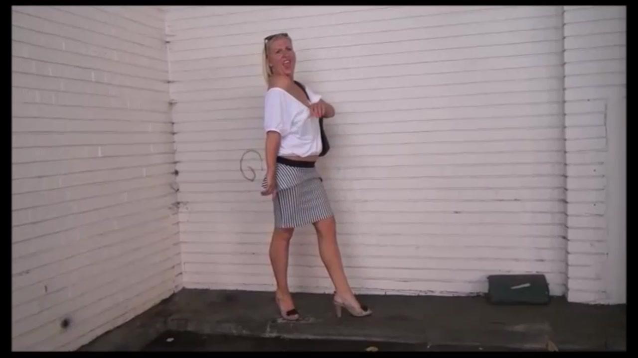 Mature Wifes Public Spycam Adventures And Out Of Doors Mastu