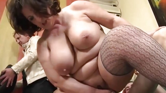 Meaty Mature Italiana Takes Anal – Italian Hotwife